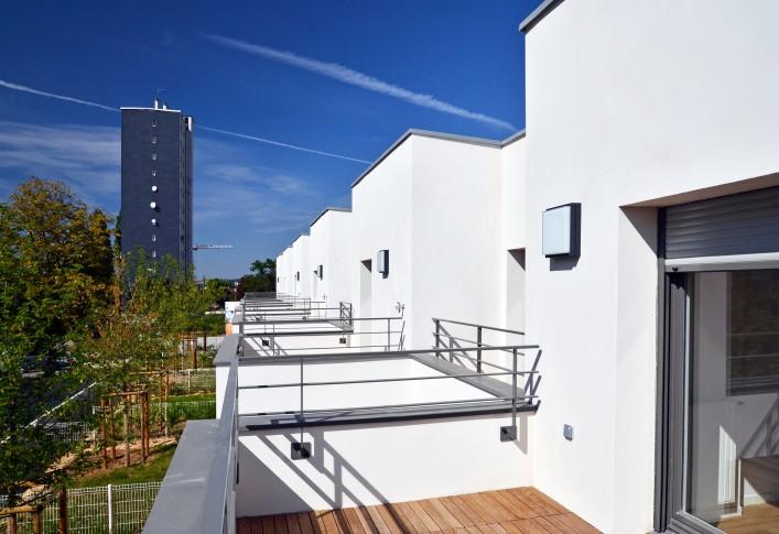 Les terrasses d'étage des maisons du lot B1